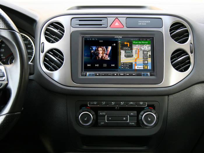 VW-Tiguan-2010-INE-W997D_front_1600x1200